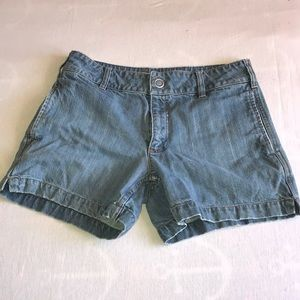 Gap denim jean shorts size 8
